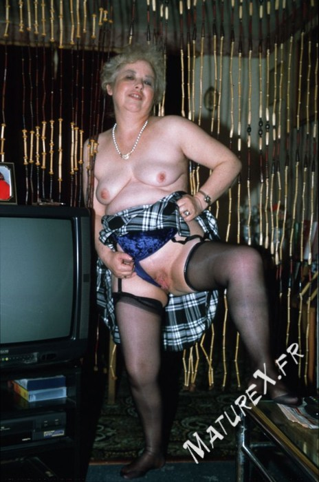 photo mature jackie - 01
