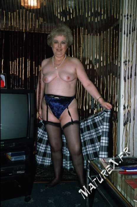 photo mature jackie - 03